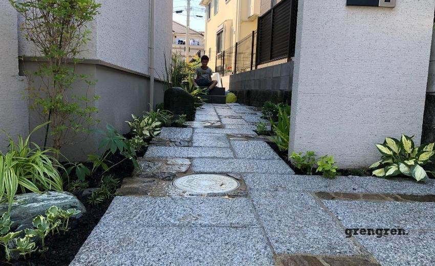 町田市の個人邸の玄関アプローチの施工の完成