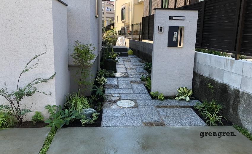 植栽と植えこんだ町田市の個人邸の玄関アプローチの施工